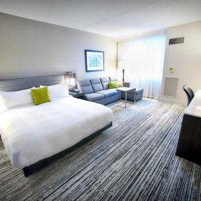Hotels With Jacuzzi In Room Near Cincinnati Ohio